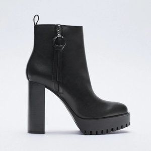 NWT Zara Black Wide Heeled Lug Sole Ankle Boots, 9